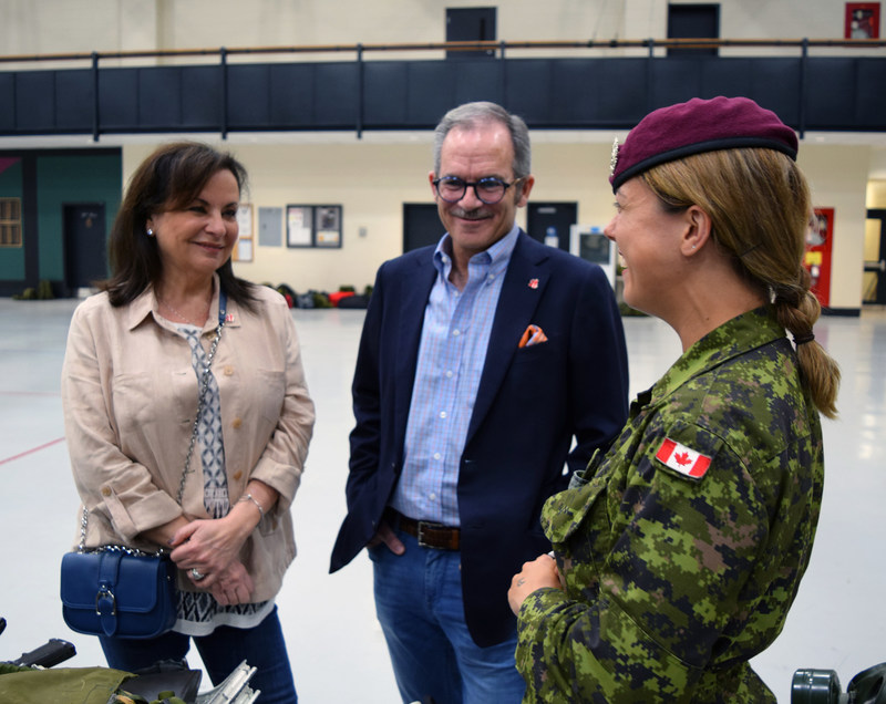 Canadian philanthropists Rick and Lillian Ekstein meet with Canadian Armed Forces personnel in Toronto to honour military families through launch of Together We Stand Foundation (CNW Group/Together We Stand Foundation)