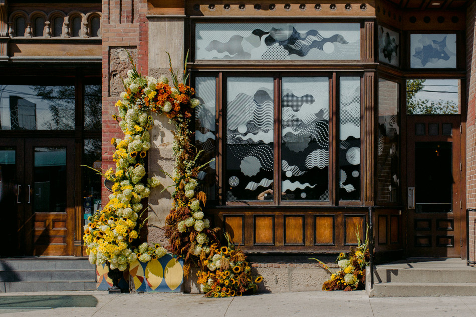 First annual Canadian Flowers Week installation, located at the Gladstone Hotel, located at 1214 Queen St W, Toronto, ON. (CNW Group/Canadian Flowers Week)