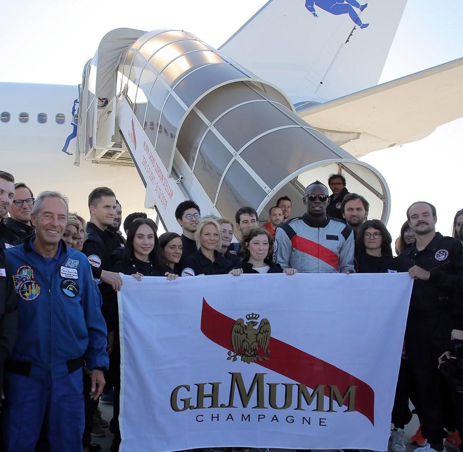 After the zero gravity flight - Mumm Grand Cordon Stellar (PRNewsfoto/Maison Mumm)