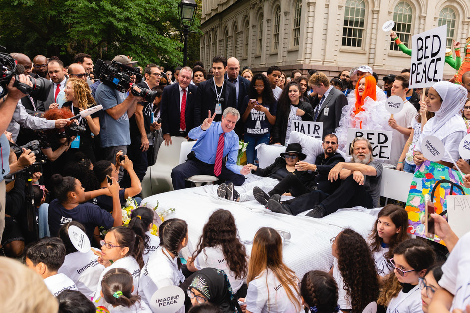 The John Lennon Educational Tour Bus presented by Other World Computing (OWC) celebrates Come Together NYC Bed-In at City Hall (From left to right: Mayor Bill de Blasio, Yoko Ono, Ringo Starr, Jeff Bridges)