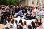 Yoko Ono, Ringo Starr, Jeff Bridges Recreated Historic Bed-In With John Lennon Educational Tour Bus