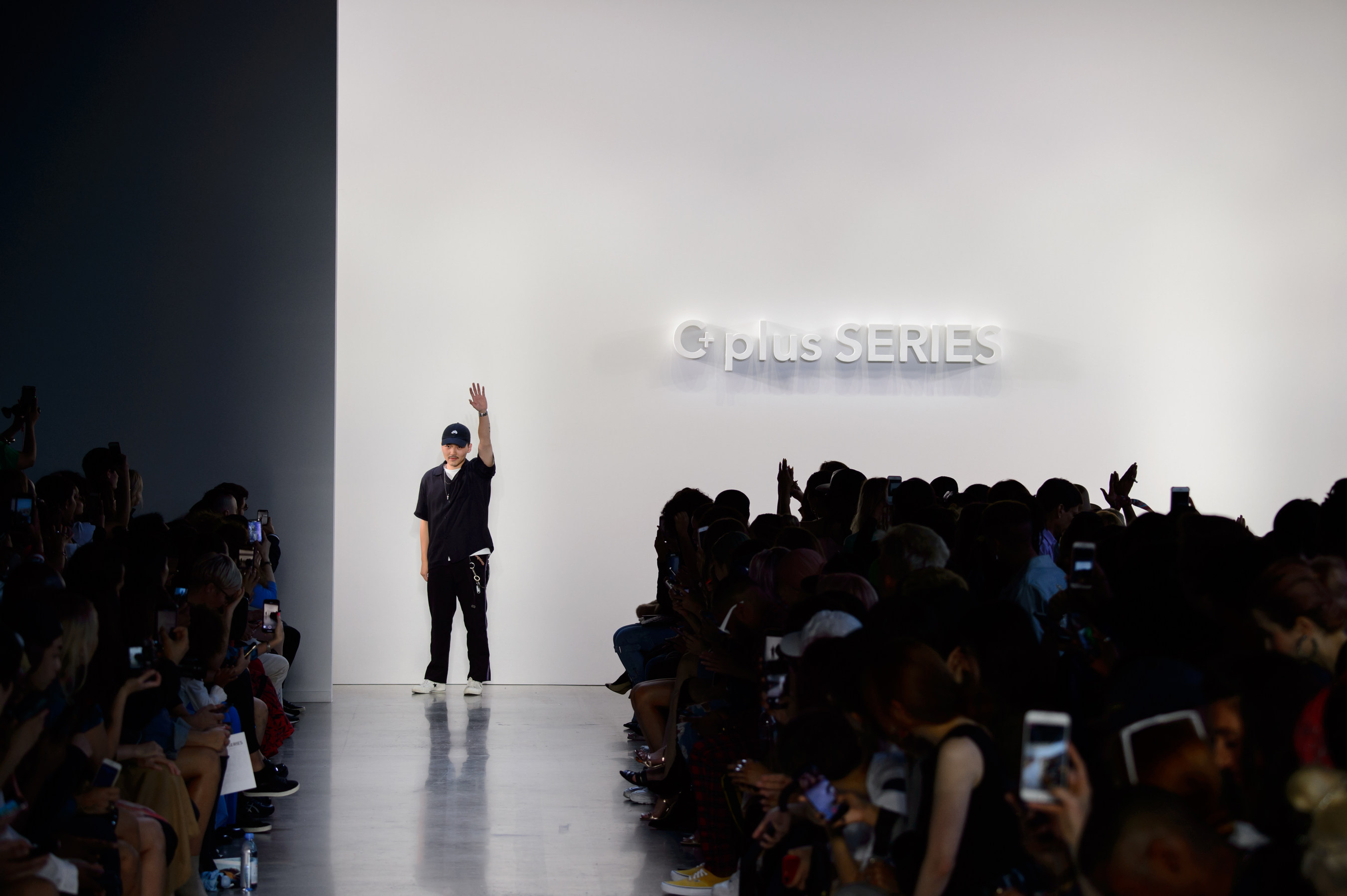 C+plus SERIES, a brand born from the era of modern elegance, debuted its first collection in New York Fashion Week SS19, the designer C.T. Liu got a big round of applause from audiences after finale.