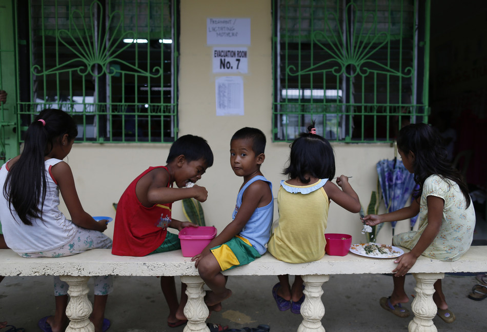 Super Typhoon Mangkhut/Ompong: children in evacuation centres in Ilocos Norte province, in the Philippines. ©UNICEF Philippines/2018/Jeoffrey Maitem (CNW Group/UNICEF Canada)