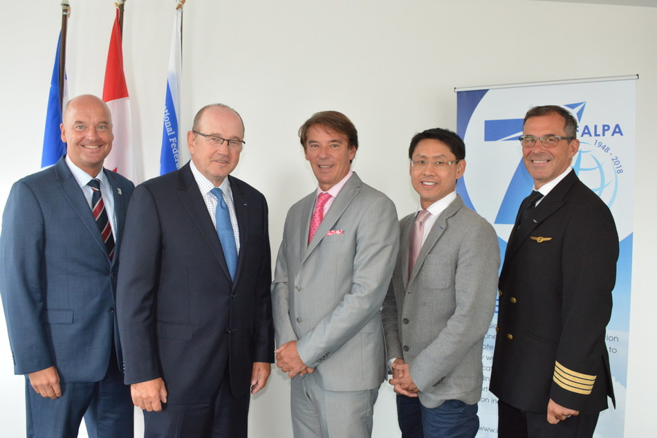 From Left to Right: IFALPA Managing Director, Christoph Schewe, IFALPA President, Cpt. Ron Abel, Yves Lalumiere, President & CEO Tourisme Montréal, IFALPA Board Members: Cpt. Ben Mansumitchai, Cpt. Rod Lypchuk (CNW Group/Tourisme Montréal)