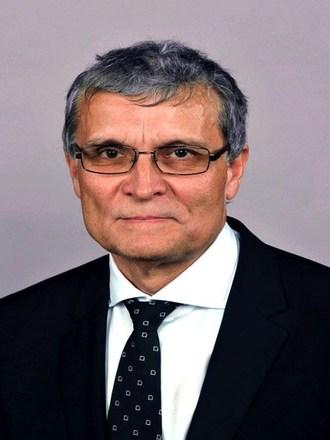 Professor Laszlo Hangody, Principle Investigator, The Uzsoki Street Hospital, Budapest, Hungary (PRNewsfoto/CartiHeal)
