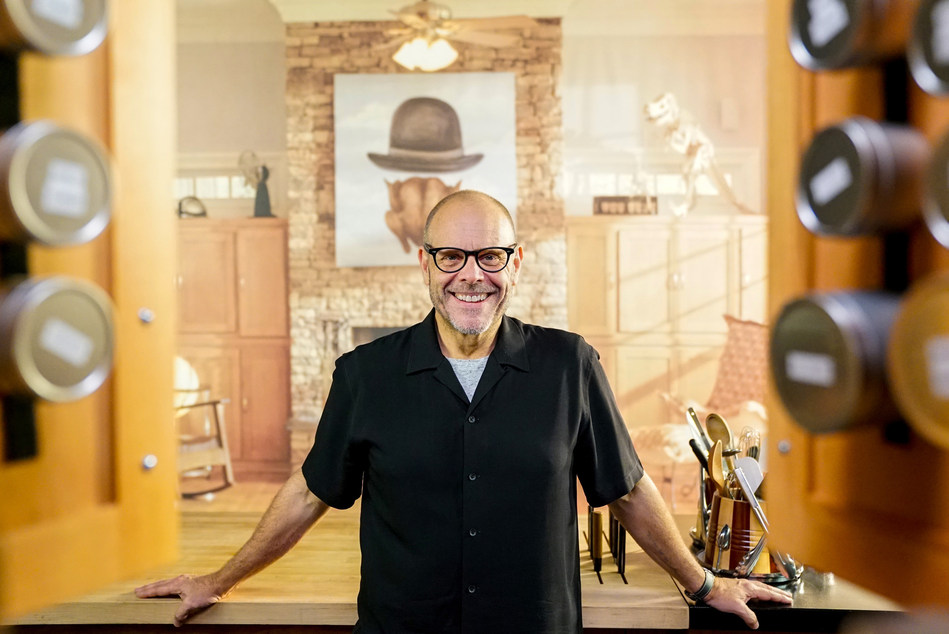 Alton Brown on Cooking Channel's Good Eats: Reloaded