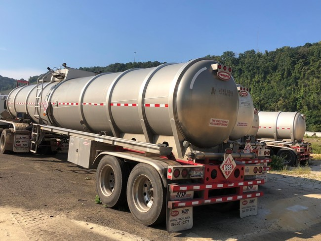 Auction also includes late-model Troxel Tank Trailers