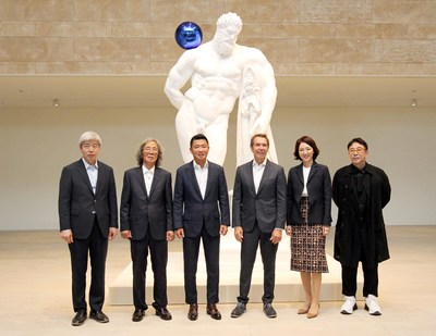 Art-tainment resort Paradise City today opened Paradise Art Space, an onsite, purpose-built exhibition space for modern and contemporary art on September 17, 2018. The unveiling ceremony was attended by (from left) Lee Bae, Kim Hodeuk, Paradise Group Chairman Phillip Chun, Jeff Koons, Director of Paradise Culture Foundation Elizabeth Chun, and director Jung Kuho. (PRNewsfoto/Paradise Group)