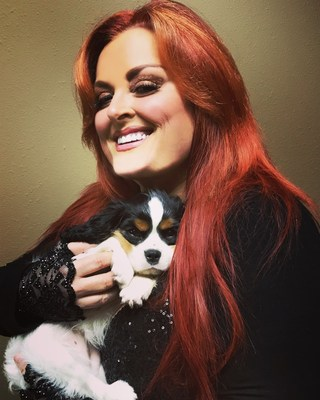 Vocera Oficial 2018 de Remember Me Thursday(R) Wynonna Judd. (PRNewsfoto/Helen Woodward Animal Center)