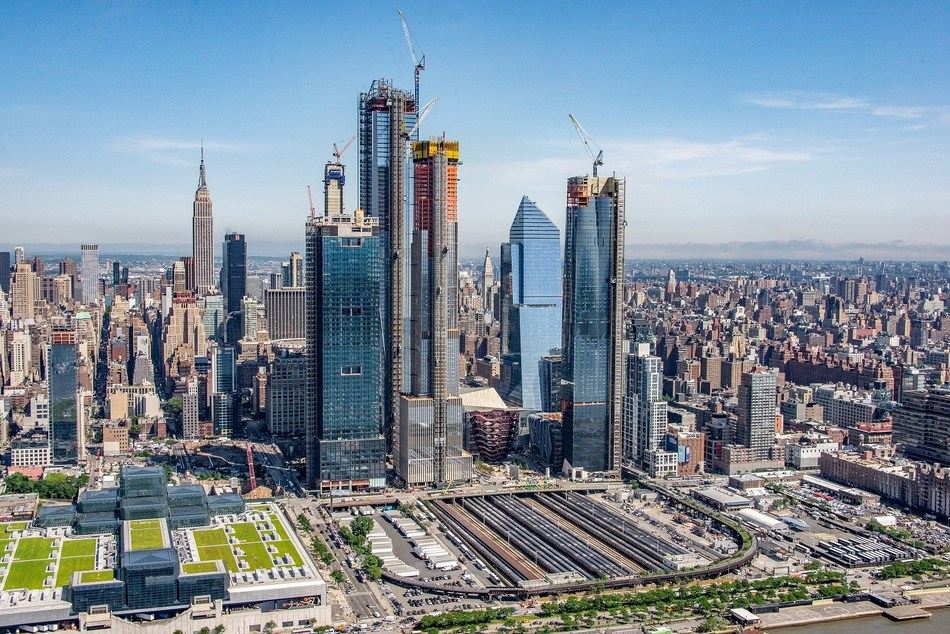 View of New York's skyline and the Hudson Yards area. The site will include more than 18 million square feet of commercial and residential space, state-of-the-art office towers, more than 100 shops and approximately 4,000 residences, commercial and high-rise office space/ Credits: RELATED (PRNewsfoto/thyssenkrupp elevator AG)