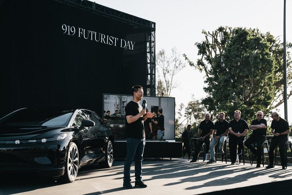 El fundador y CEO global de Faraday, YT Jia, se dirige a ejecutivos, personal y familias de FF en el 'Día Futurista 919' inaugural. (PRNewsfoto/Faraday Future)