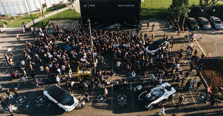 Los presentes en el 'Día Futurista 919' inaugural de FF en la sede en Los Ángeles. (PRNewsfoto/Faraday Future)