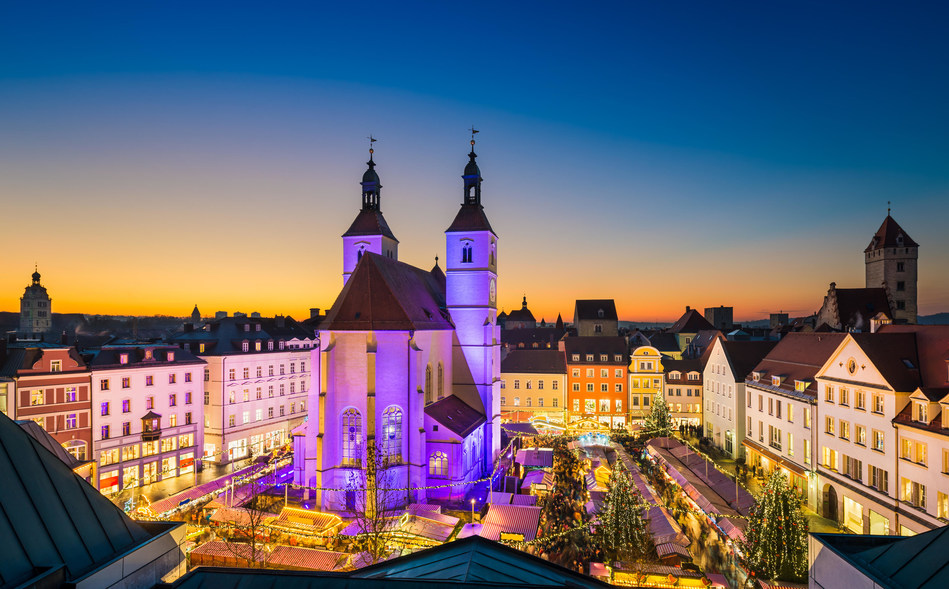Grand Circle Cruise Line Offers Three Saving Opportunities to Spend Christmas 2018 in Europe (Photo Credit: Michael Abid / Alamy Stock Photo)