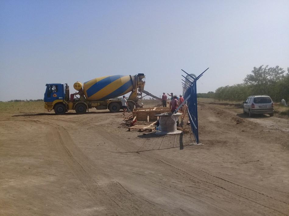 Construction works on the site of the future station (CNW Group/TIU Canada)