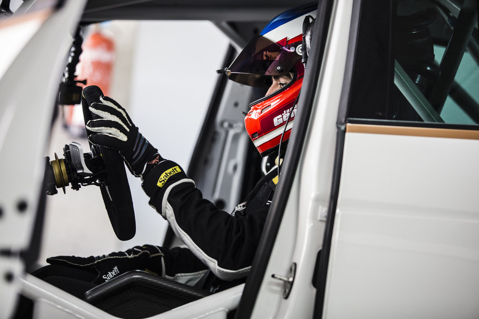 CUPRA race driver Jordi Gené assures that the feeling of acceleration of the e-Racer is much more powerful than on a petrol vehicle (PRNewsfoto/CUPRA)