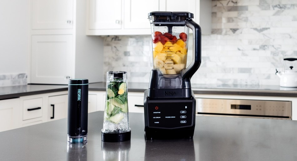 The one-touch Ninja FreshVac Pump is engineered to lock vitamins in, reduce oxidation and separation, bring out vibrant colors and rich flavors, and even keep drinks fresh overnight.