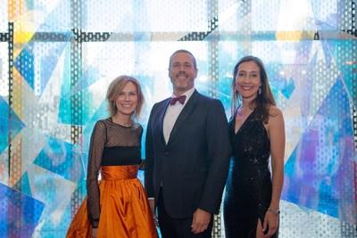 Les présidents d'honneur du Bal. De gauche à droite : Nathalie Goyette, Éric Bujold, France Margaret Bélanger. Photo : Max Messier (Groupe CNW/Musée d'art contemporain de Montréal)