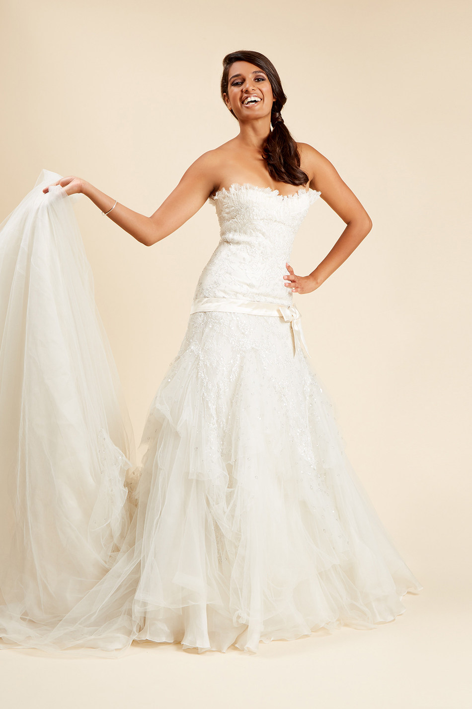 Elie Saab for Pronovias, pre-loved wedding dress available at Brides do Good (c) Brides do Good