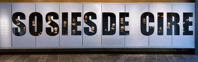 En prélude à l'exposition Mon sosie a 2 000 ans, le Musée de la civilisation offre une fenêtre sur ses collections en proposant une étonnante vitrine de têtes de personnages de cire, dont plusieurs proviennent du réputé Musée Grévin de Paris. Photo : Marie-Josée Marcotte, Icône (Groupe CNW/Musée de la civilisation)