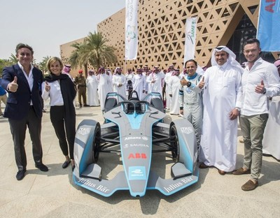 (L to R) Formula E CEO Alejandro Agag, Venturi Formula E team principal Susie Wolff, Venturi Formula E team driver Felipe Massa, His Excellency Eng. Saleh bin Nasser Al-Jasser, Saudi Arabian Airlines Director General, Formula E driver André Lotterer (PRNewsfoto/The General Sports Authority)