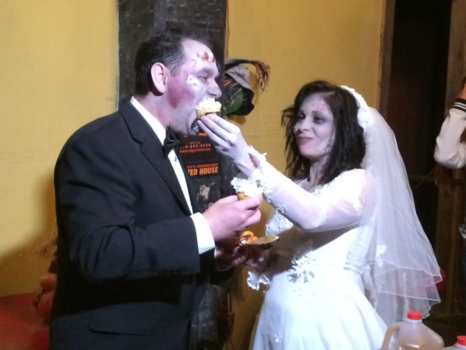 A couple is married at The Edge of Hell haunt, which is part of the America Haunts organization, after having a date there years prior.