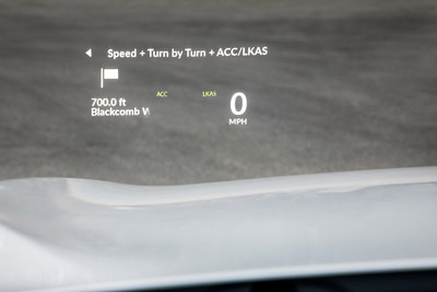 When equipped with the Advance Package, the RDX features a full-color interactive 10.5-inch head-up display with a wide array of customizable information, projected within easy view of the driver.