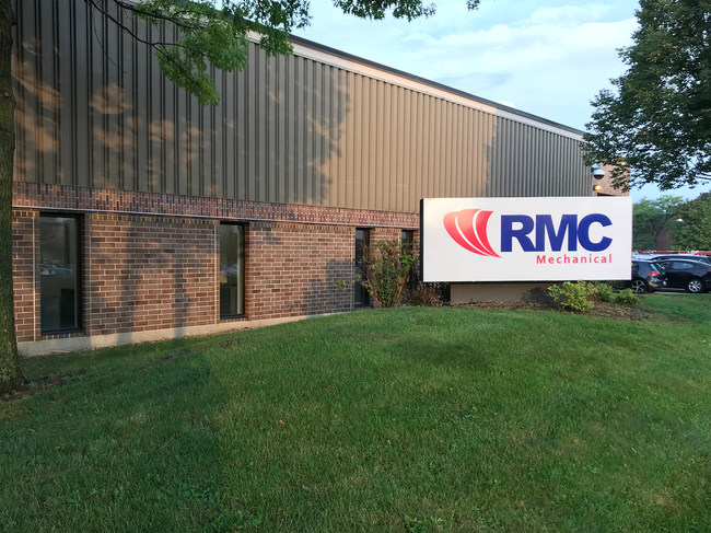 Exterior of RMC Mechanical's newly renovated facility at 780 Aec Drive, Wood Dale, IL. Photo credit: Ian Philpot