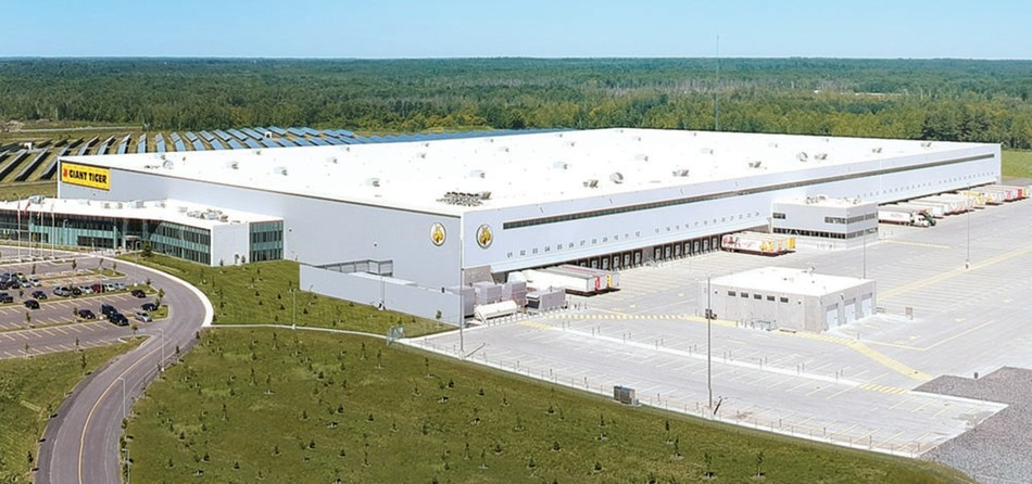 Giant Tiger new state of the art Distribution Center in Johnstown, ON. (CNW Group/Giant Tiger Stores Limited)