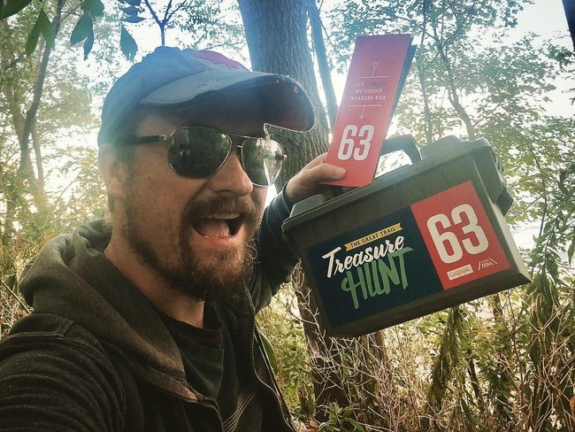 Geoff May finds box 63 in Tannery Park Oakville, Ontario (CNW Group/Royal Canadian Geographical Society)