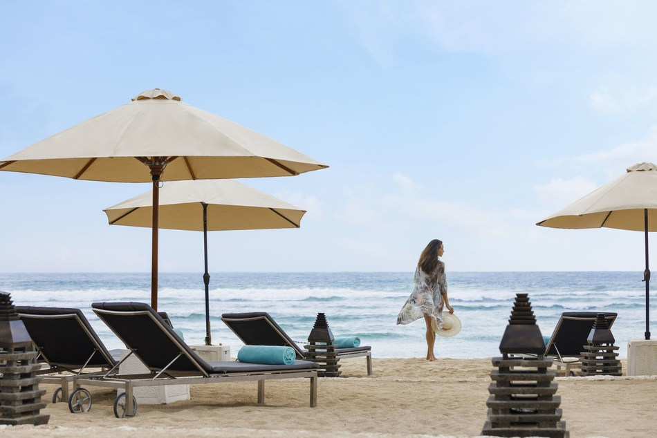 Enjoy White Sandy Tropical Beach at The Ritz-Carlton, Bali