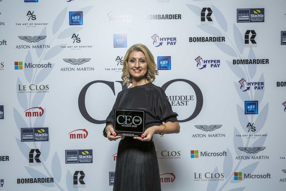 Debbie Stanford-Kristiansen wins 'Female CEO of the Year' at the CEO Middle East Awards (PRNewsfoto/Novo Cinemas)