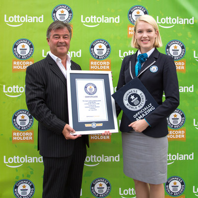 Lottoland CEO Nigel Birrell and Sofia Greenacre, adjudicator for Guinness World Records.