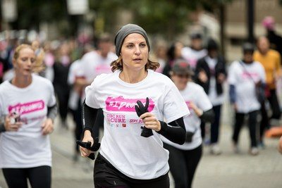 Today, thousands of Canadians were united by the Canadian Cancer Society CIBC Run for the Cure in support of the breast cancer cause. The CIBC Run for the Cure took place in 56 communities across the country, raising funds for Canada's best breast cancer research and support services. (CNW Group/Canadian Cancer Society)