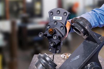 """6Probe facilita a inspeção dos """"cantos e recantos"""" das peças com uma mão."""