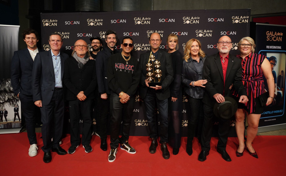 Some of the 26th annual SOCAN Montreal Awards winners (from left to right, top row): Patrice Michaud (Songwriter of the Year), Eric Baptiste, SOCAN's Chief Executive Officer, Jim Corcoran, (Special Achievement Award), Éli Bissonnette - Éditions Dare to Care (Publisher of the year), Jean-Olivier Bégin (Screen Composer of the year), Michel Rivard (Cultural Impact Award), Andréanne A. Malette, Francine Raymond (SOCAN Classics), Patrick Norman (Country Music Award),Geneviève Côté, SOCAN's Chief Queb (CNW Group/SOCAN)