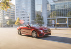 Mercedes-Benz Canada and its national dealer network have announced that the company retailed 3,850 units in September, which resulted in a total of 11,363 vehicles being sold in the third quarter. (CNW Group/Mercedes-Benz Canada Inc.)