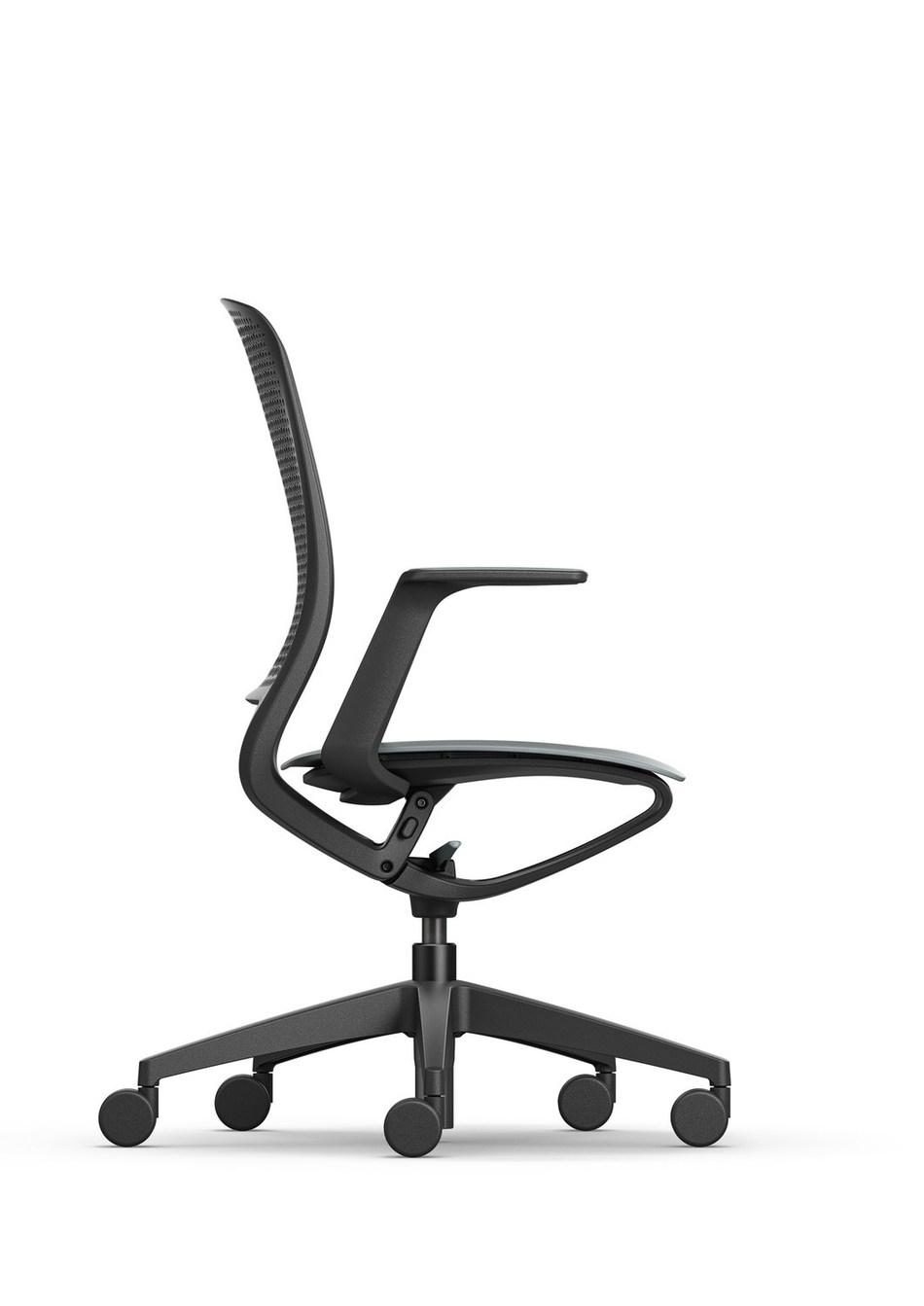 se:motion is the first ergonomic swivel chair without conventional mechanics. Photo: Sedus Stoll AG (PRNewsfoto/Sedus Stoll AG)