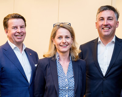 Hartmut Schröder (CEO Fleming's), Sandra Hainke-Hentschel (Project Manager Fleming's), Jeff Down (Director of Sales EMEA, Cendyn)