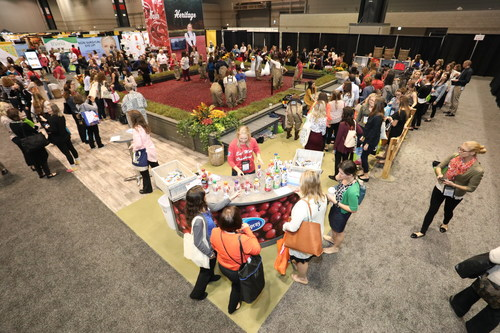 Ocean Spray will once again bring its pop-up cranberry bog to FNCE® 2018 at the Walter E. Washington Convention Center in Washington, D.C. from Oct. 20-23.
