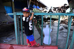 On 4 October 2018 in Indonesia, a young boy, 4 years old, plays in front of the ruins of the building damaged during the earthquake in Palu, South Sulawesi. © UNICEF/UN0241241/Wilander (CNW Group/UNICEF Canada)