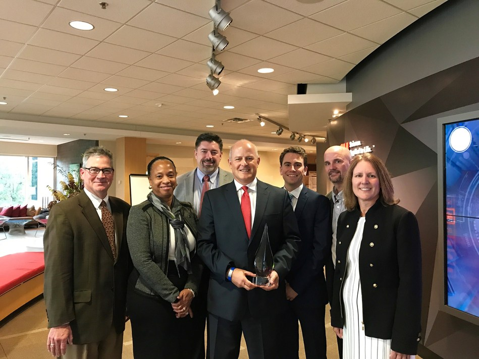 Covestro has received a 3M 2018 Supplier of the Year Award. Pictured left-right: Kevin Twohy, director, 3M Global Strategic Sourcing; Aleta Richards, senior vice president, CAS NAFTA, Covestro; Jack O'Malley, director of sales, CAS NAFTA, Covestro; Bruce Benda, director of Healthcare Commercial Operations Americas, Covestro; Kyle Rider, sourcing manager, 3M; Frank Sommerfeld, head of 3M operations, Traffic Safety; and Deb Fronczak, vice president, 3M Global Strategic Sourcing.
