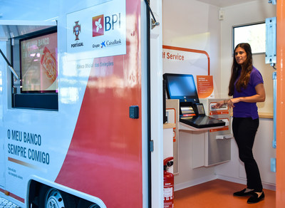 A nova solução de balcão self-service do Banco BPI automatiza as transações.