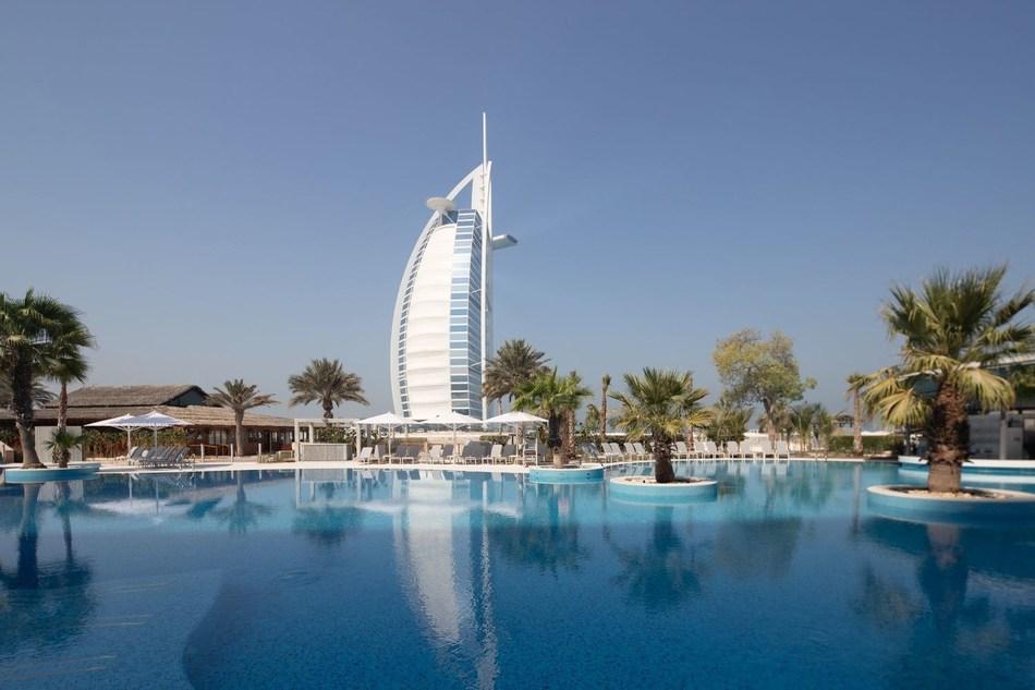 Jumeirah Beach Hotel Leisure Pool (PRNewsfoto/Jumeirah International LLC)
