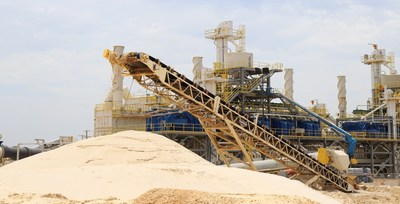 IAC logra una tasa de producción de arena de fracturamiento del 134% (PRNewsfoto/Industrial Accessories Company )