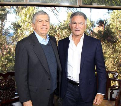 Dionisio Gutiérrez con César Gaviria (PRNewsfoto/Fundación Libertad y Desarrollo)
