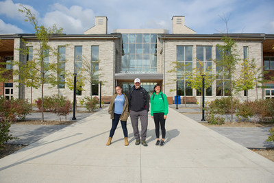 Left to Right: MJ Kettleborough (Forests Ontario), Andrew MacMillan (Outdoor Education Teacher, Country Day School), and Augusta Lipscombe (Forests Ontario). (CNW Group/Forests Ontario)