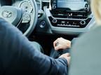 Avec #SauvezLaManuelle, Toyota  redonne du plaisir de conduire lors d'un événement d'apprentissage de la conduite d'une transmission manuelle avec la Corolla à hayon 2019. (Groupe CNW/Toyota Canada Inc.)