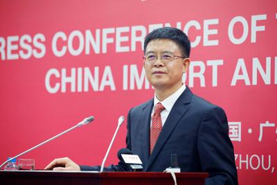 M. Xu Bing, directeur général adjoint du Centre du commerce extérieur de la Chine, présente les faits saillants de la 124e Foire chinoise sur l'importation et l'exportation (PRNewsfoto/Canton Fair)