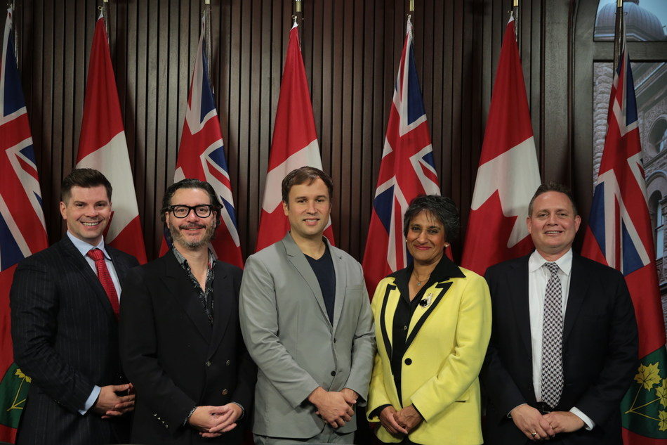 "Left to right: Mike Garnett (Bay Street Labs), Paul Vallée (Pythian), Floyd Marinescu (InfoQ & QCon), Audrey Mascarenhas (Questor) and Chris Ford (Capco) of ""CEOs for Basic Income"" at Queen's Park today. (Photo credit: Moses Leal at FEATHERSTONE photo & imaging) (CNW Group/CEOs for Basic Income)"