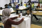 Students cast ballots in Student Vote program. (CNW Group/CIVIX)